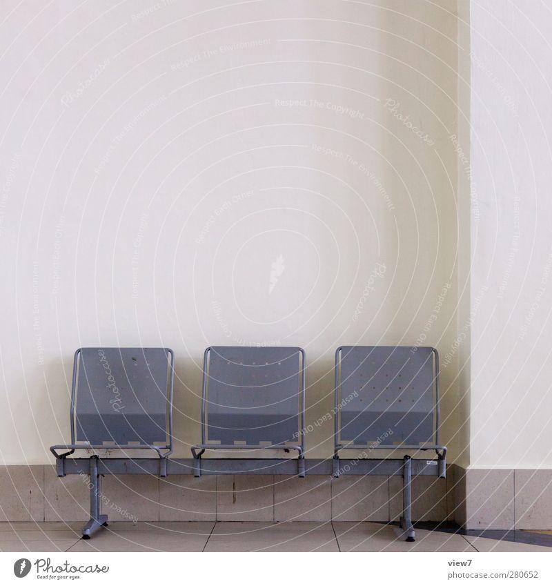 warten auf irgendwas alt Ferien & Urlaub & Reisen Einsamkeit Wand Architektur Mauer Gebäude Stein Innenarchitektur Metall braun Raum Fassade warten Ordnung authentisch