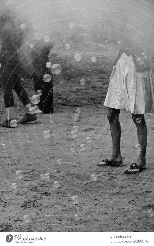 Meeresrausch1 Veranstaltung Musik Feste & Feiern Tanzen Festspiele Mensch feminin Junge Frau Jugendliche 18-30 Jahre Erwachsene Musik hören springen schwarz