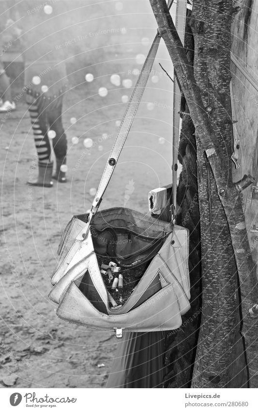 Meeresrausch Festival 2 Party Musik Feste & Feiern Tanzen Festspiele Mensch feminin Musik hören trendy schwarz weiß Schwarzweißfoto Außenaufnahme Menschenleer