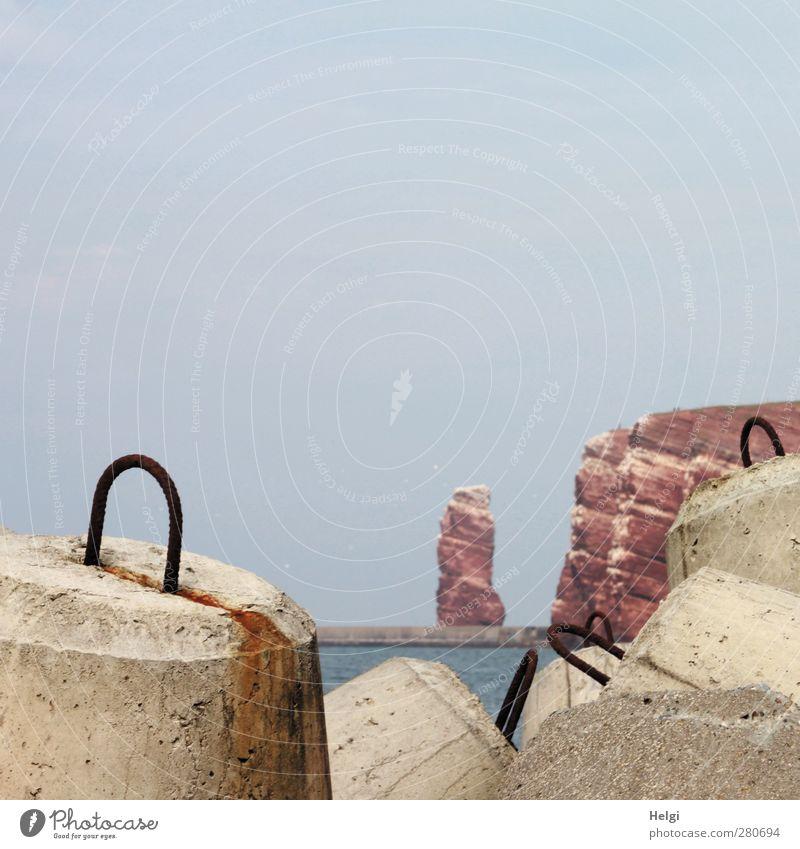 Küstenschutz... Natur blau Wasser Ferien & Urlaub & Reisen Sommer rot Meer Umwelt Küste grau Metall Felsen außergewöhnlich liegen natürlich authentisch