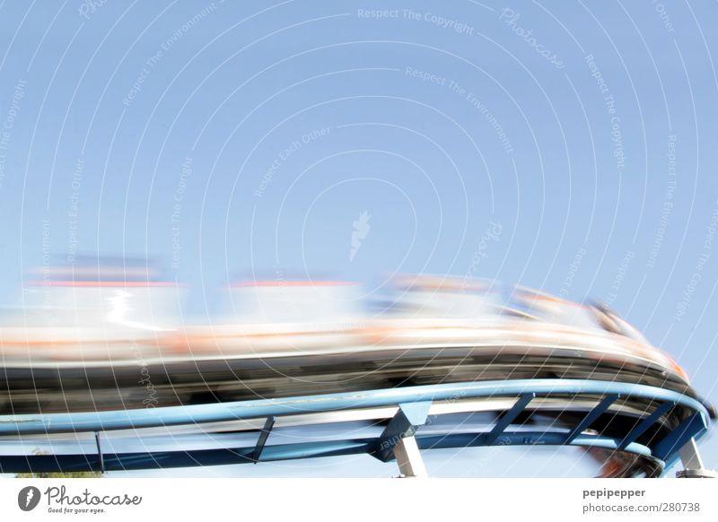 vorbeiziehen Freude Bewegung Metall Linie Freizeit & Hobby Geschwindigkeit Fröhlichkeit fahren Gleise Jahrmarkt Begeisterung Personenverkehr Verkehrsmittel