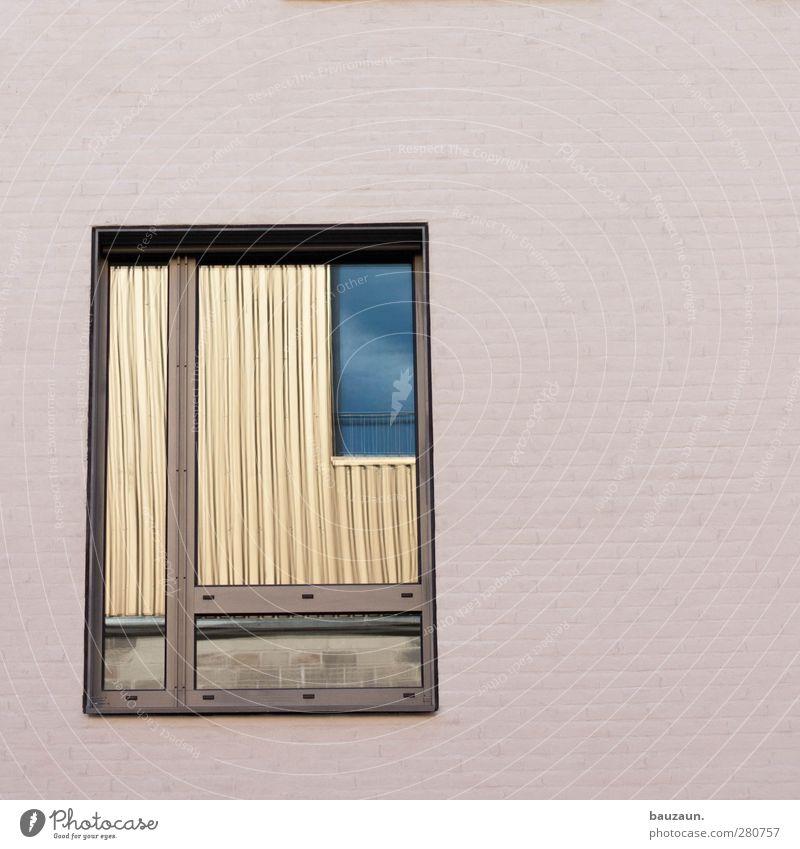 spieglein spieglein an der wand. Stadt weiß Haus Fenster Wand Architektur Mauer Gebäude Stein Fassade gold Glas Häusliches Leben beobachten Bauwerk Stadtzentrum