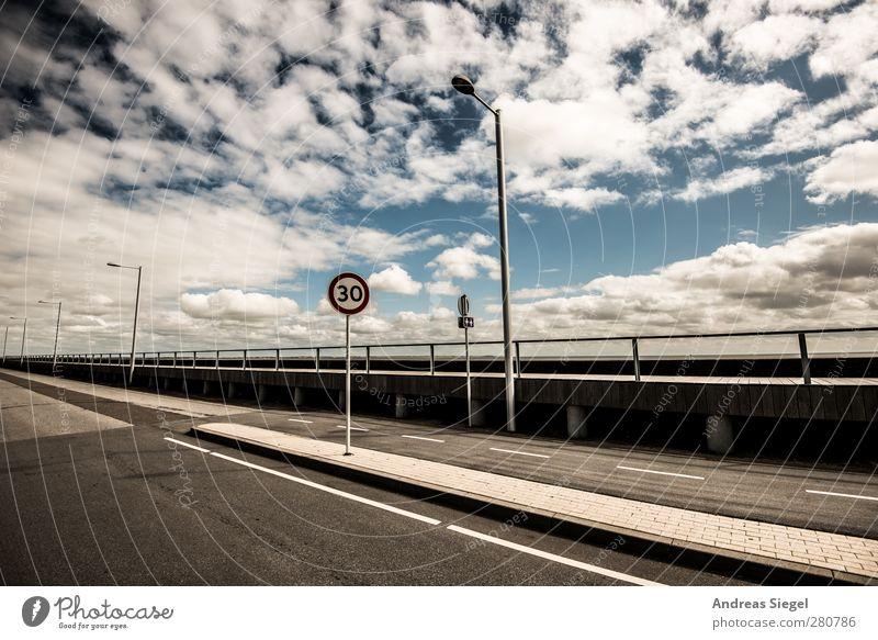 //7(30)iI Umwelt Luft Himmel Wolken Sonne Sommer Schönes Wetter Verkehr Verkehrswege Straße Wege & Pfade Verkehrszeichen Verkehrsschild Zeichen