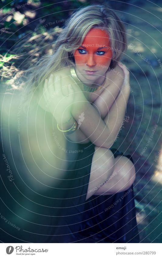 ombré I Mensch Jugendliche grün schön Erwachsene feminin Junge Frau 18-30 Jahre orange blond einzigartig Model Schmuck langhaarig Accessoire Körpermalerei