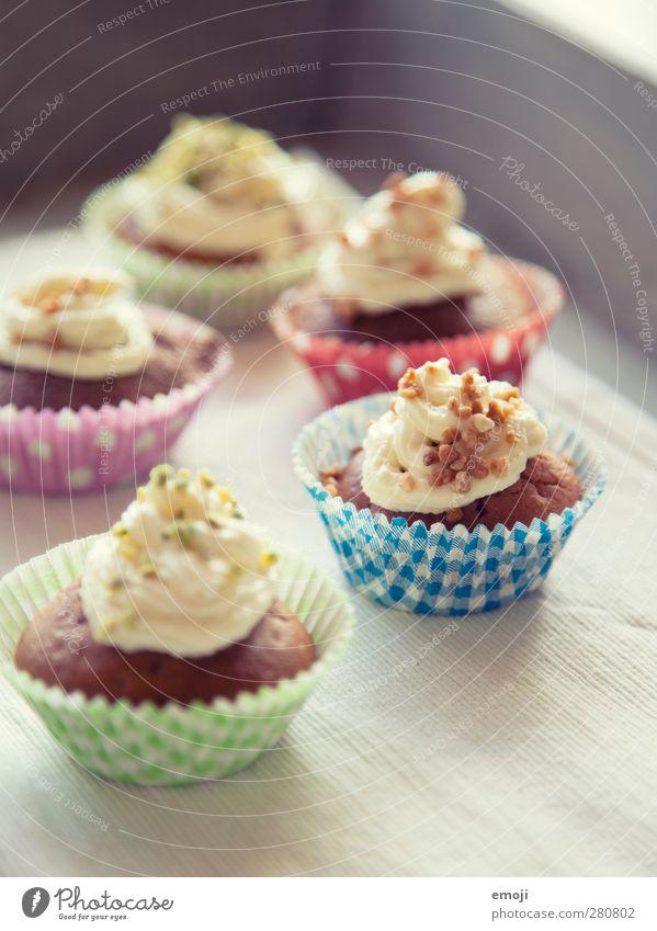 gepunktet, gestreift, gegessen Ernährung süß lecker Süßwaren Picknick Backwaren Teigwaren Fingerfood Slowfood Cupcake