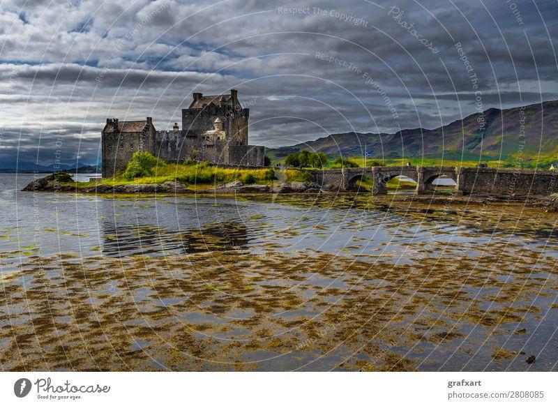 Eilean Donan Castle am Loch Duich in Schottland alt Architektur Brücke Burg oder Schloss clan Festung Gebäude Vergangenheit Großbritannien Highlands historisch