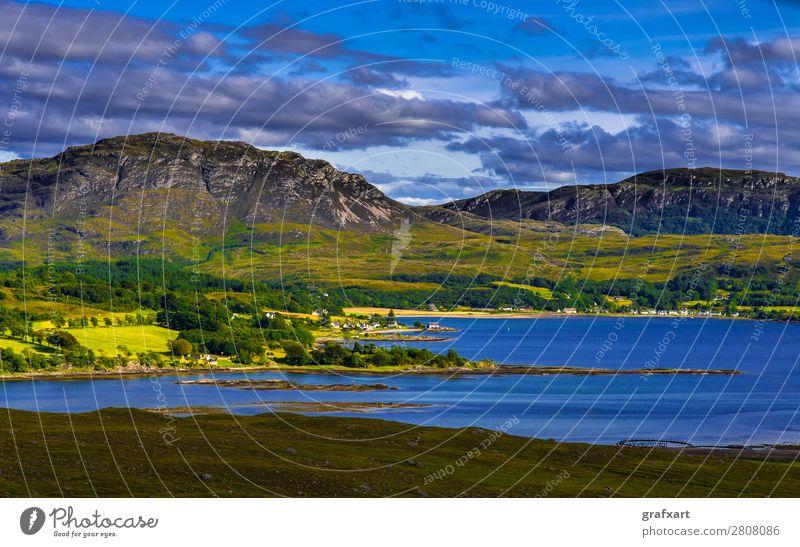 Ausblick vom Applecross Pass auf Loch Kishorn in Schottland applecross Atlantik Berge u. Gebirge Bucht Dorf friedlich Großbritannien Hafen Haus Highlands