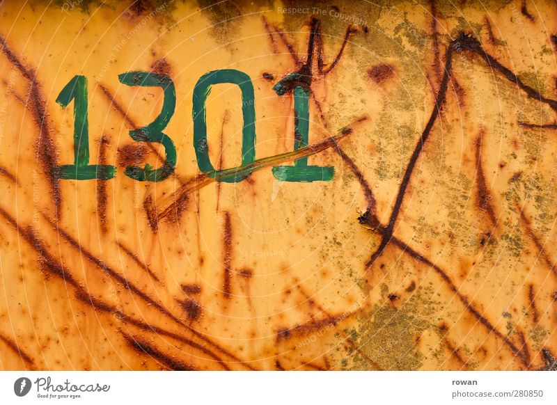 1301 Metall Stahl Rost Zeichen Schriftzeichen Ziffern & Zahlen Schilder & Markierungen alt kaputt retro braun grün orange rot Narbe Furche Kratzer