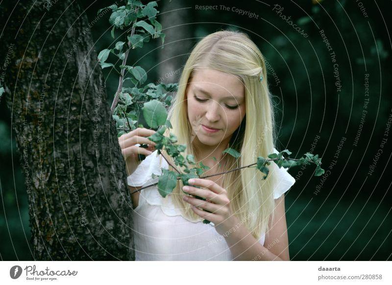 Mensch Frau Jugendliche schön Einsamkeit Erwachsene Wärme feminin Junge Frau Garten Gesundheit Park Stimmung 18-30 Jahre blond natürlich