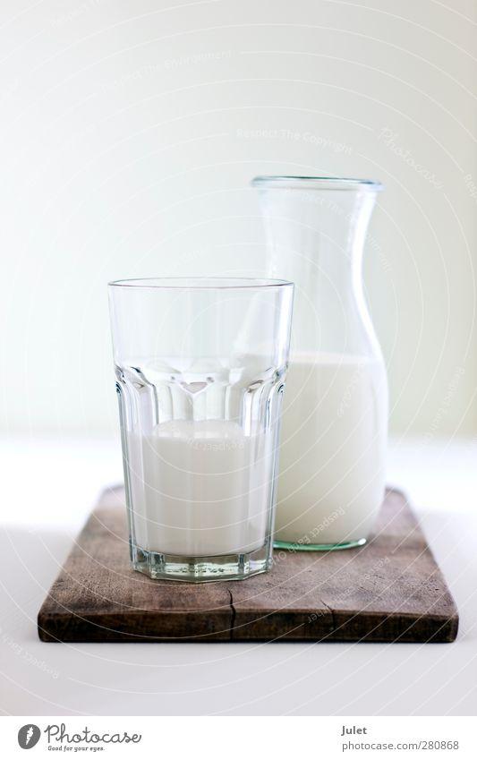 F R I S C H E M I L C H Gesundheit Glas frisch trinken Fitness Schneidebrett Karaffen