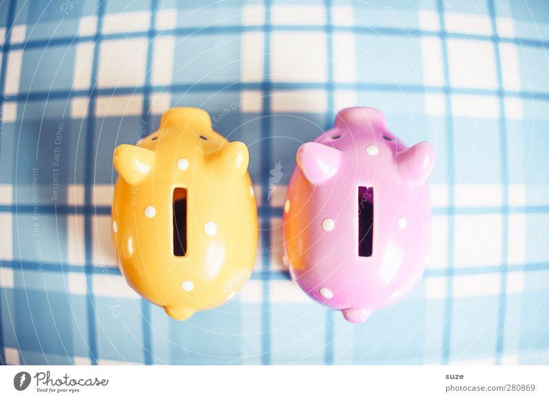 Doppelt Schwein gehabt Lifestyle kaufen Design Glück Geld sparen Kunststoff Armut klein lustig niedlich reich blau gelb rosa Spardose Tischwäsche Schlitz