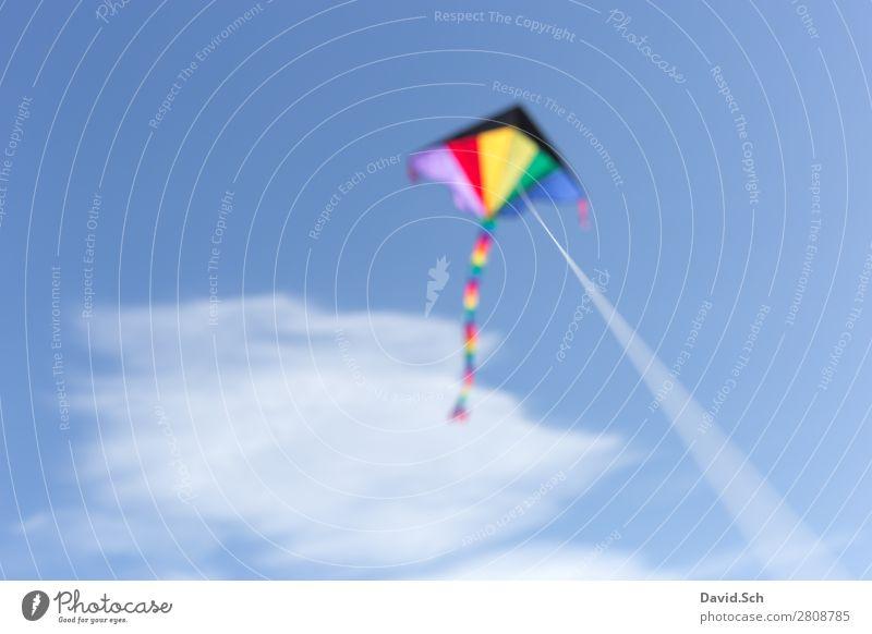 Flugdrachen Freizeit & Hobby Himmel Wolken Wind Bewegung fliegen Freundlichkeit blau mehrfarbig Freude Hängegleiter Lenkdrachen Schnur regenbogenfarben