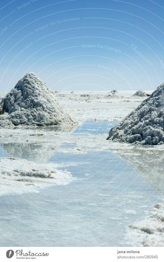 Milchreisberge Landschaft Urelemente Wasser Himmel Wolkenloser Himmel Winter Wüste ästhetisch außergewöhnlich Unendlichkeit natürlich Sauberkeit blau weiß ruhig