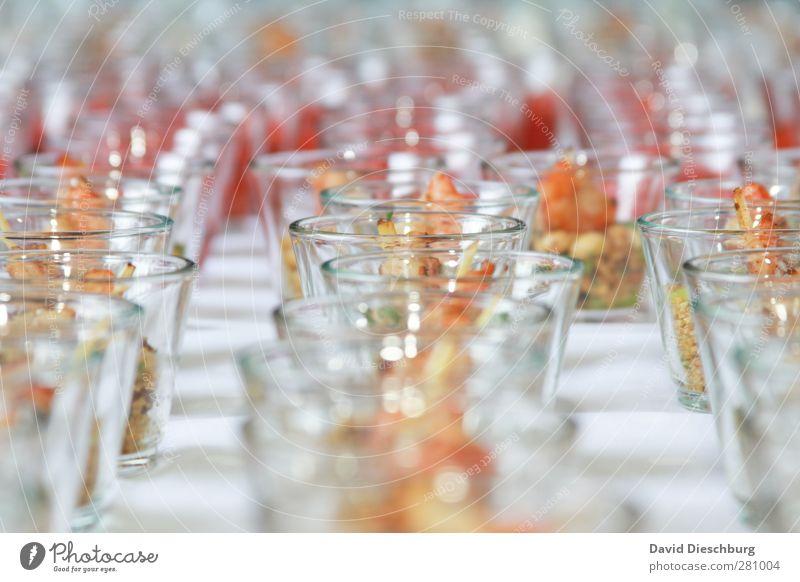 Lecker Buffet weiß hell Feste & Feiern Glas Lebensmittel glänzend Hochzeit Ernährung Tisch Kreis Fisch rund Appetit & Hunger lecker Bioprodukte Abendessen