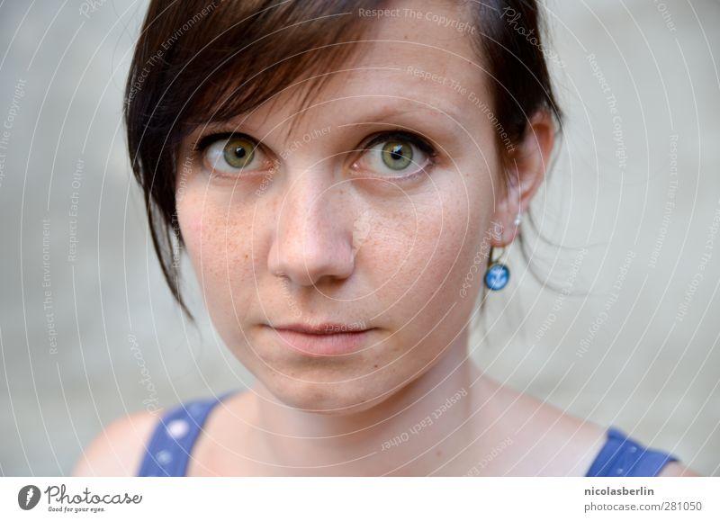 MP36 - Über Gefühle die nie vergehen Mensch Frau Jugendliche grün schön ruhig Erwachsene Gesicht Erholung Auge feminin Leben Junge Frau Glück träumen