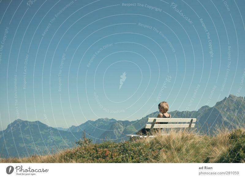 Home is where your heart is Mensch feminin Junge Frau Jugendliche Gesicht 1 18-30 Jahre Erwachsene Natur Landschaft Himmel Wolkenloser Himmel Horizont Herbst