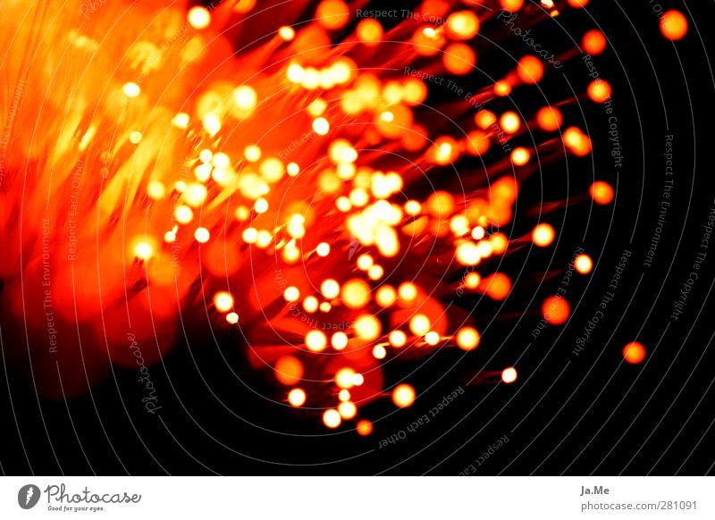 Lichtexplosion Glasfaser leuchten Leuchtkörper Feuer Lichtspiel Lichtschein Lichterscheinung Lampe Lampendetail ästhetisch verrückt Wärme rot Farbfoto