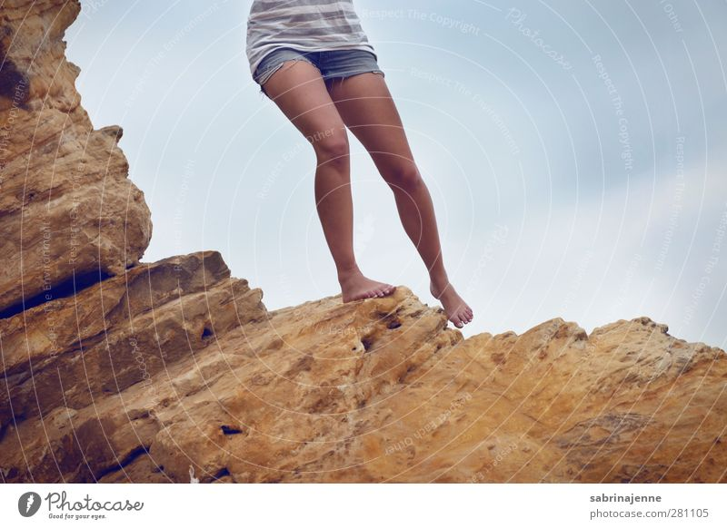 wankelmütig Mensch Frau Jugendliche Ferien & Urlaub & Reisen Sommer Sonne Erwachsene Berge u. Gebirge feminin Leben Junge Frau Gesundheit 18-30 Jahre laufen