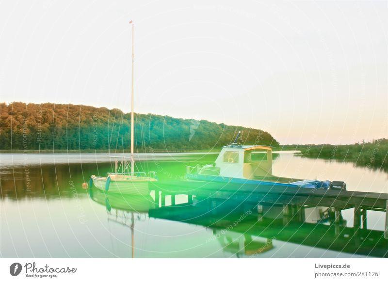Farben am Bodden Himmel Natur blau Wasser grün Sommer Pflanze Baum Landschaft Umwelt See Kunst Wasserfahrzeug leuchten Seeufer Hafen