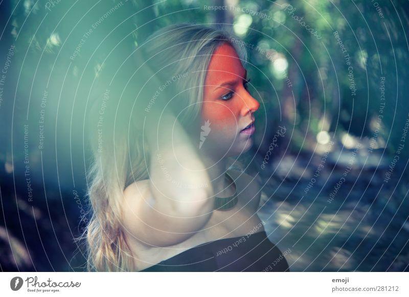 ombré II feminin Junge Frau Jugendliche 1 Mensch 18-30 Jahre Erwachsene Natur blond außergewöhnlich natürlich grün orange Körpermalerei Kunst Künstler Schminke