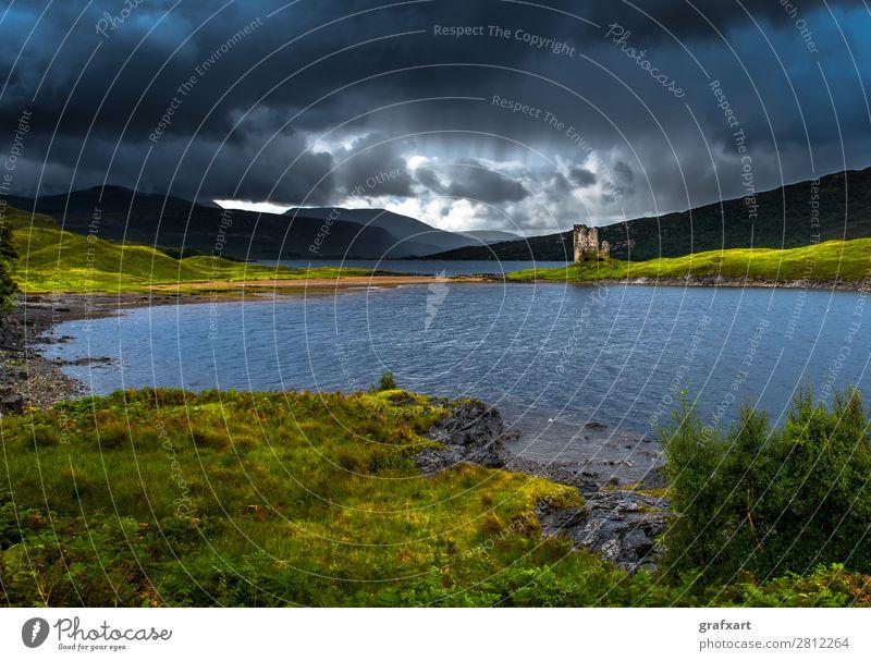 Ruine von Ardvreck Castle am Loch Assynt in Schottland ardvreck castle Berge u. Gebirge Burg oder Schloss clan Einsamkeit Festung Vergangenheit Großbritannien