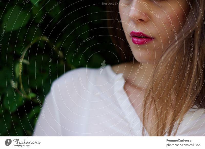 Pink LiPsTiCk. elegant Stil schön Kosmetik Schminke Lippenstift Frau Erwachsene Kopf Gesicht Nase Mund 1 Mensch Sinnesorgane Erotik zart Apfel der Erkenntnis
