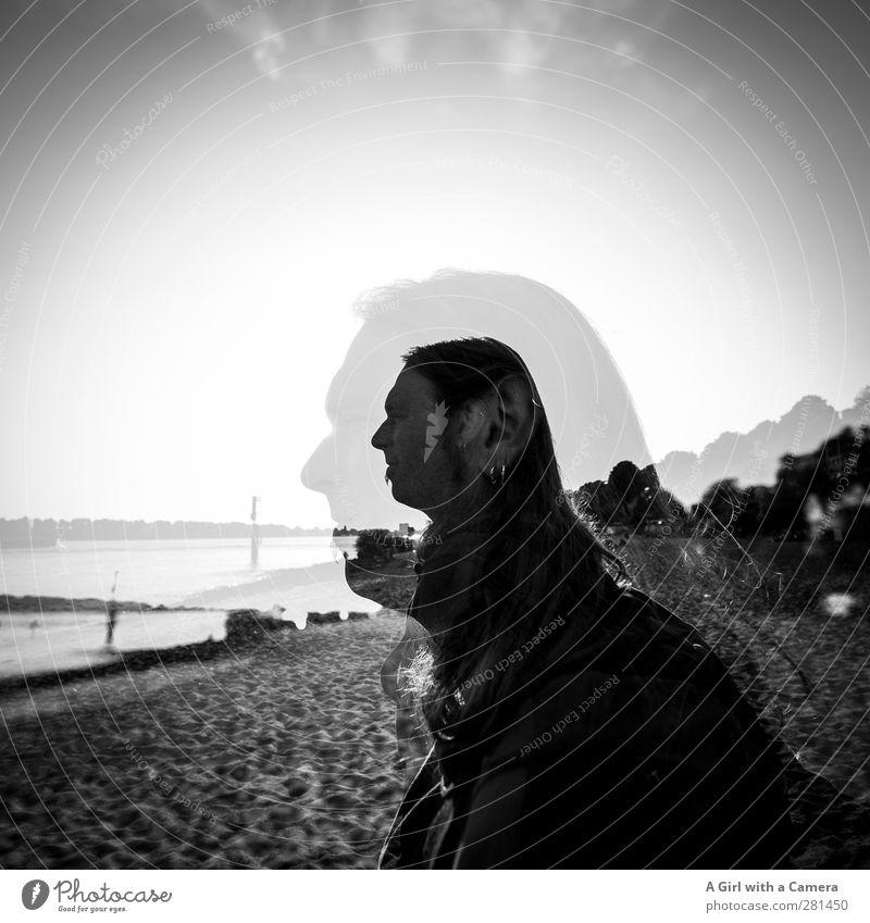 er Mensch maskulin Junger Mann Jugendliche Erwachsene Leben 1 2 30-45 Jahre Blick Strand langhaarig Doppelbelichtung Schwarzweißfoto Außenaufnahme Experiment