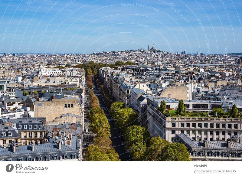 Blick auf die Basilika Sacre-Coeur in Paris, Frankreich Erholung Ferien & Urlaub & Reisen Tourismus Städtereise Haus Wolken Herbst Baum Stadt Hauptstadt Gebäude