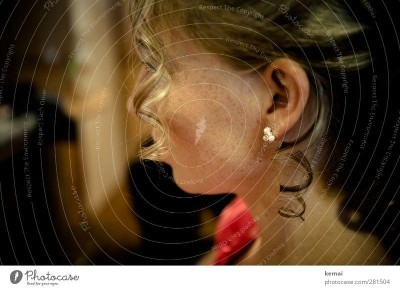 Krumme Dinger | Löcklein Lifestyle elegant Stil schön Haare & Frisuren Mensch feminin Junge Frau Jugendliche Erwachsene Leben Kopf Ohr Hals 1 18-30 Jahre