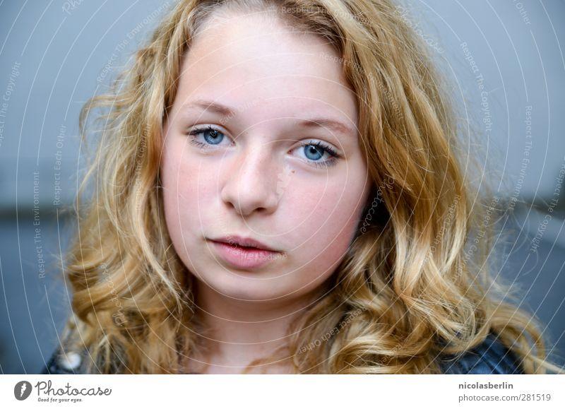MP37 - Weil das Licht so leicht zerbricht Mensch Kind Jugendliche schön Mädchen Gesicht Auge feminin Haare & Frisuren träumen natürlich Kindheit blond wild Mund 13-18 Jahre