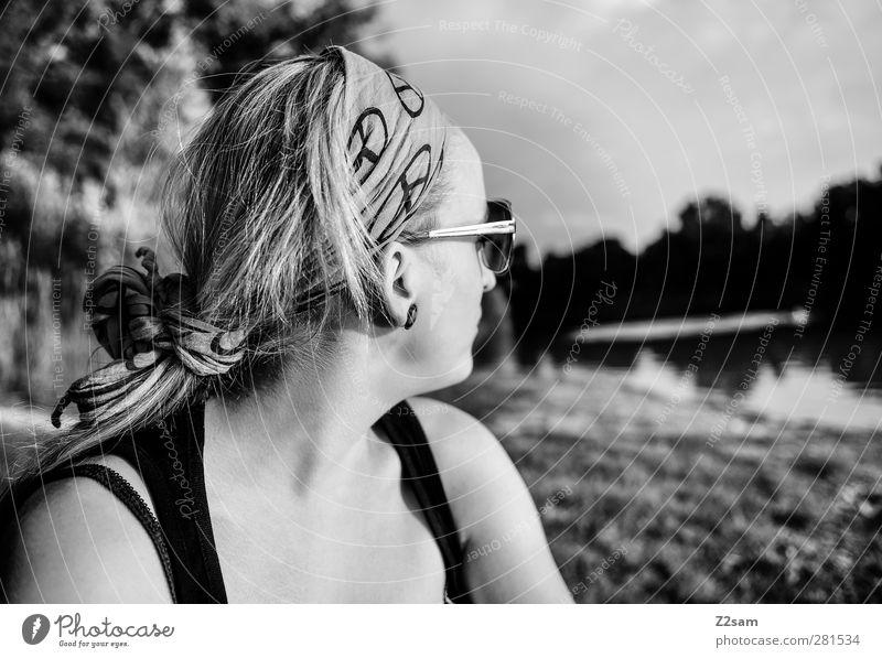 chillerin Mensch Jugendliche Ferien & Urlaub & Reisen Stadt Sommer Erwachsene Erholung feminin Junge Frau Freiheit Stil 18-30 Jahre blond Freizeit & Hobby Zufriedenheit Lifestyle