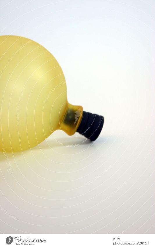 yellow ball gelb Ball Luftballon rund Kugel obskur stopfen