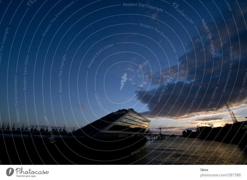 der himmel is für alle Himmel Schönes Wetter Fluss Haus Hafen Bauwerk Gebäude Architektur Sehenswürdigkeit Schifffahrt Ferien & Urlaub & Reisen außergewöhnlich