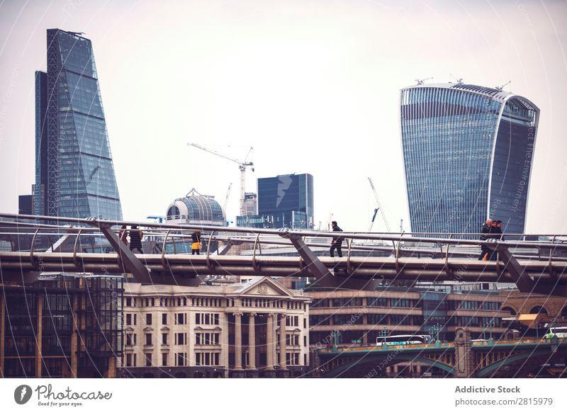 Skyline-Blick auf Londons konzeptionelle Glaswolkenkratzer und Sockel Hochhaus Architektur Großstadt Großbritannien Stadt Business Tourismus England Wahrzeichen