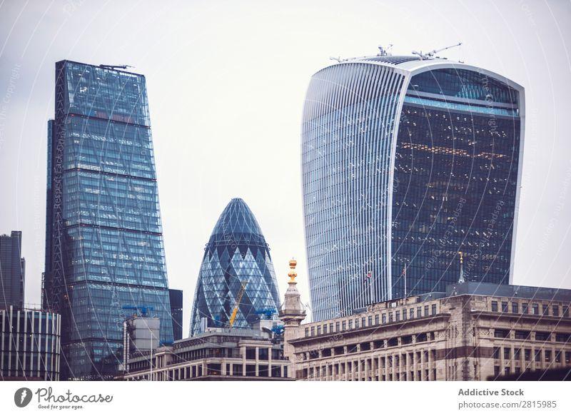Stadtbild von London Skyline Hochhaus Architektur Großstadt Großbritannien Business Tourismus England Wahrzeichen Kapitalwirtschaft Himmel Tag horizontal
