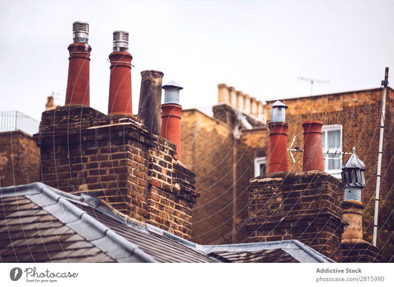 Dachschornsteine von London Dächer Schornstein Himmel blau Gebäude Hintergrundbild heimwärts Architektur Großbritannien Dachterrasse Backstein Großstadt Haus