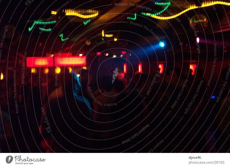 diskotheken_rock2 Mensch rot Party Tanzen Disco Bier Club Tanzfläche