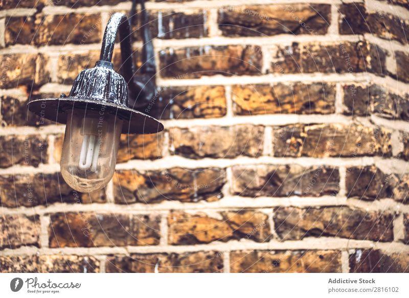Strukturierte Ziegelwand mit Laterne Konsistenz Backsteinwand Hintergrundbild Wand alt Muster Lampe Dekoration & Verzierung Design Grunge Licht Stil