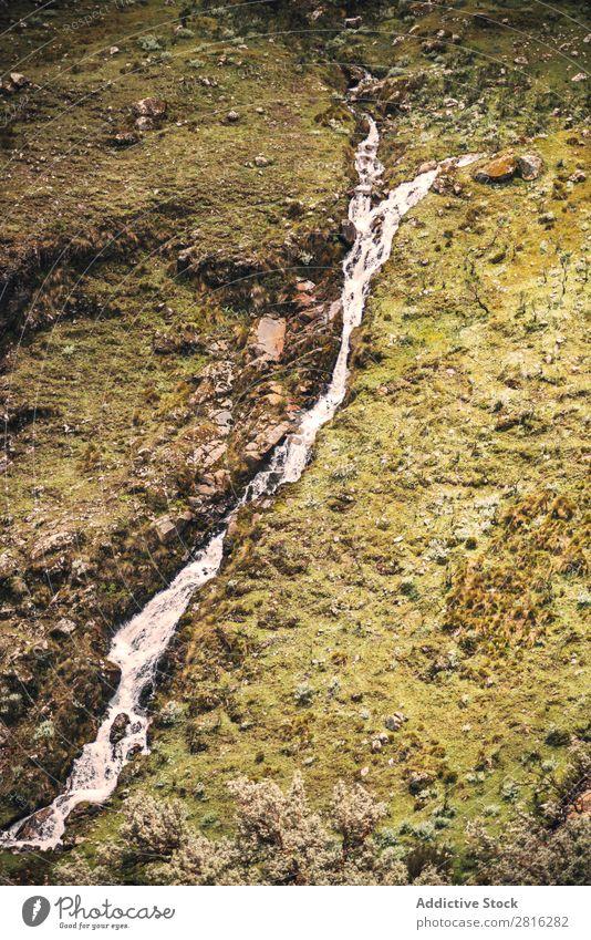 Schönes Tal in Huaraz, Peru, Südamerika Abenteuer Anden Hintergrundbild schön blanca blau Wolken Kordilleren Ausflugsziel grün wandern huaraz huascaran See