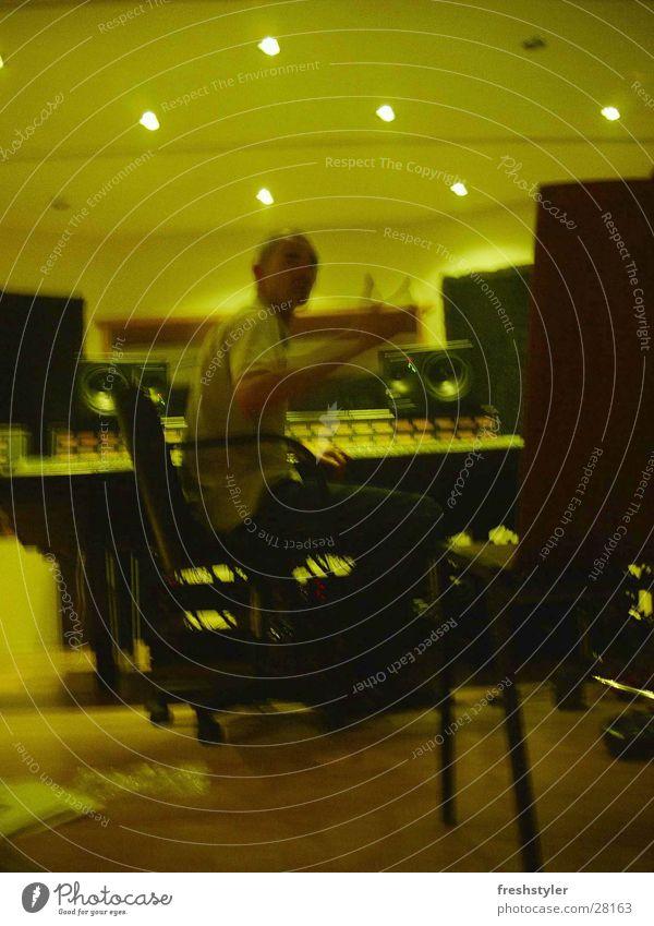 und bitte Popmusik Erzeuger Fernsehstudio Werkstatt live Momentaufnahme Industrie Medien Kunst Kunsthandwerk Produzent Musik Schnur Himmel