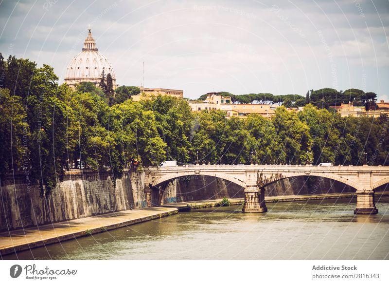Der Tiber in Rom und die St. Peter Basilika, Italien Fluss Italienisch Aussicht historisch M alt Vatikan angelo Architektur peter Skyline Schloss Wahrzeichen