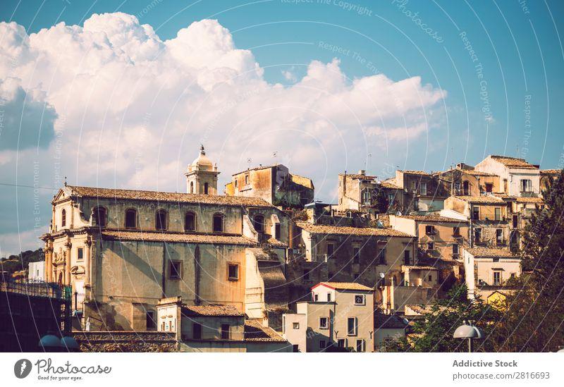 Blick auf Ragusa, Sizilien, Italien Dubrovnik Kathedrale Dom Kirche Gebäude Straße Haus Wahrzeichen Großstadt Europa Turm Aussicht Architektur alt Dorf
