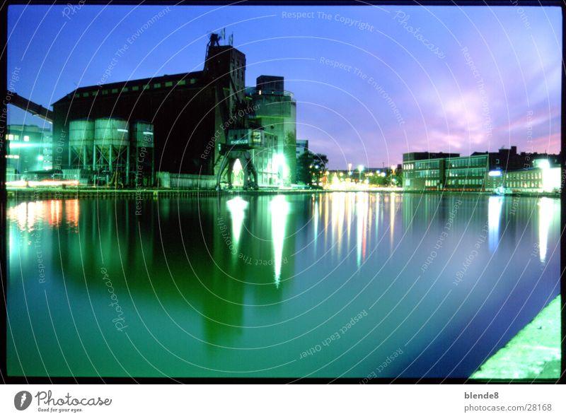 Sommernacht Nacht Reflexion & Spiegelung Architektur Hafen Münster Laue Nacht Langzeitbelichtung.