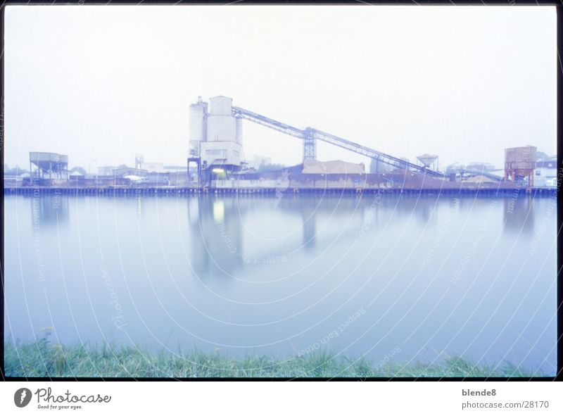 Zementwerk Industrie Produktion Abwasserkanal Münster Förderband