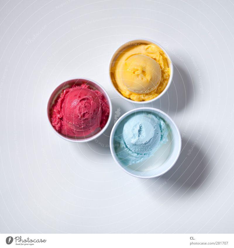 eisbecher blau Ferien & Urlaub & Reisen Sommer rot Sonne Freude gelb Wärme kalt Essen Lebensmittel Freizeit & Hobby Ernährung Speiseeis süß genießen