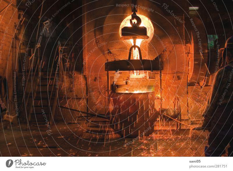 Edelstahl Mensch Mann Erwachsene Wärme Leben Gebäude Sand Metall Arbeit & Erwerbstätigkeit Erde maskulin Urelemente Feuer Industrie 45-60 Jahre Fabrik