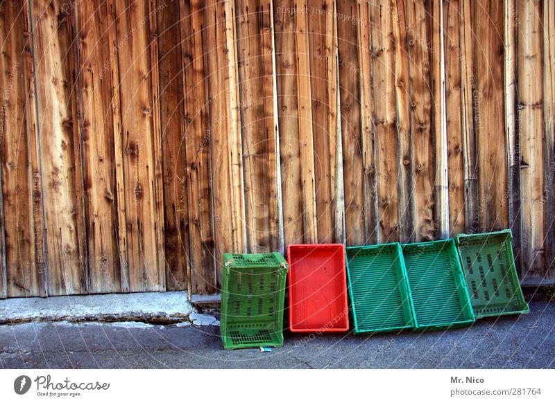 grün- rote Koalition Landwirtschaft Forstwirtschaft Handel Güterverkehr & Logistik Dorf Hütte Holz Kiste Markt Obstkiste Holzwand abholbereit Kunststoff