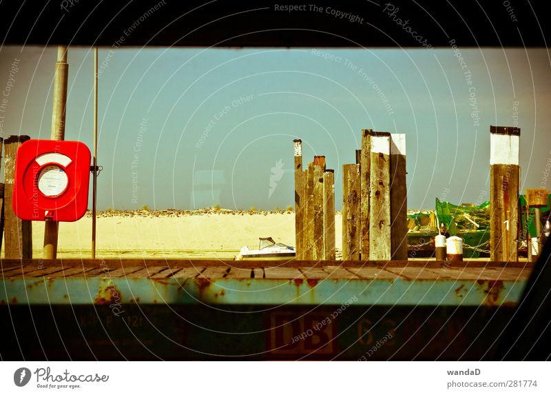 ________ Ferien & Urlaub & Reisen Sommer Insel Sand Himmel Nordsee Schifffahrt Fähre An Bord Holz Blick träumen warten heiß schön Wärme blau gold rot türkis