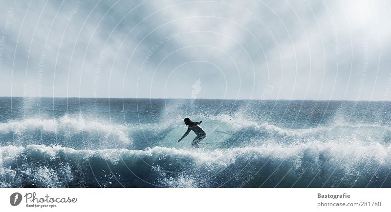 you tube Stil Freizeit & Hobby Sport Wassersport Mensch Körper 1 blau Gefühle Stimmung Freude Surfer Surfen Meer Wellen sportlich Surfbrett Farbfoto