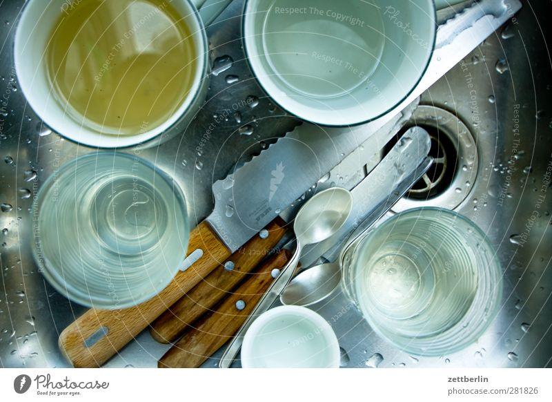 Abwasch Geschirr Tasse Becher Glas Besteck Messer Häusliches Leben Wohnung Küche Feste & Feiern gut schön Ordnung Geschirrspülen Haushaltsführung küchenarbeit